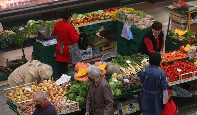 Ponuda povrca na gradskoj trznici Karlovac