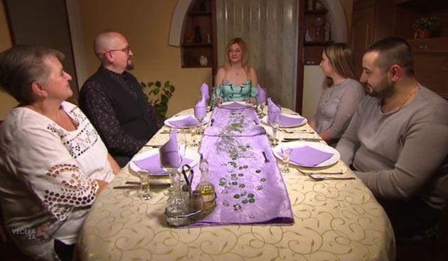 Iako je Ivona bila dobra domaćica, Janja je odnijela pobjedu u vinkovačkom tjednu 'Večere za 5 na selu'