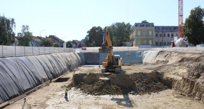 Napreduju radovi na novoj zgradi hitnog prijema KBC-a Osijek, pogledajte kako će izgledat kad se završi
