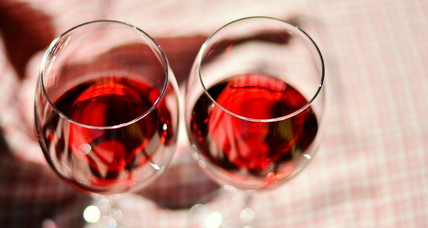 Nova studija pokazala da je povremeno pijenje vina sasvim sigurno za zdravlje