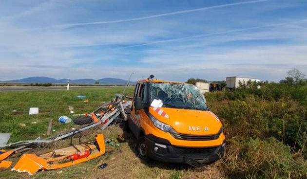 Prometna+nesreća+na+A1+-+kamion+pokosio+vozilo+cestarske+ophodnje+22.+rujna+2021.+(thumbnail)