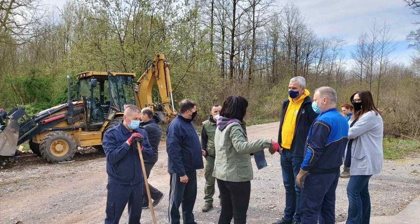 Na Orlovcu održana akcija čišćenja divljih deponija - 40-ak građana čistilo otpad na trasi dugoj pet kilometara