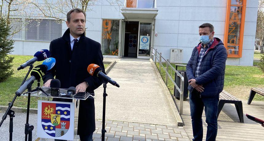 133 NOVOZARAŽENA Županijski stožer dao preporuku da sljedeći tjedan nastava krene online putem