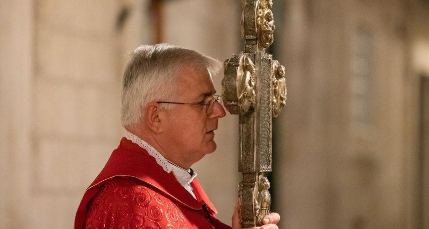 Vjernici ljuti na Uzinića zbog odgode krizmi: 'Mene samo zanima da li ste vi mason?'