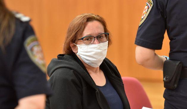 Suđenje pod maskama: Smiljana je optužena da je ubila sestru i sakrila je u škrinju