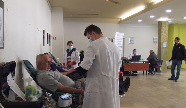 Dugoreški darivatelji krvi ove godine prikupili 151,6 litara tekućine koja život znači – Zadnjoj akciji u ovoj godini odazvalo ih se 95, prikupljene su 84 doze krvi