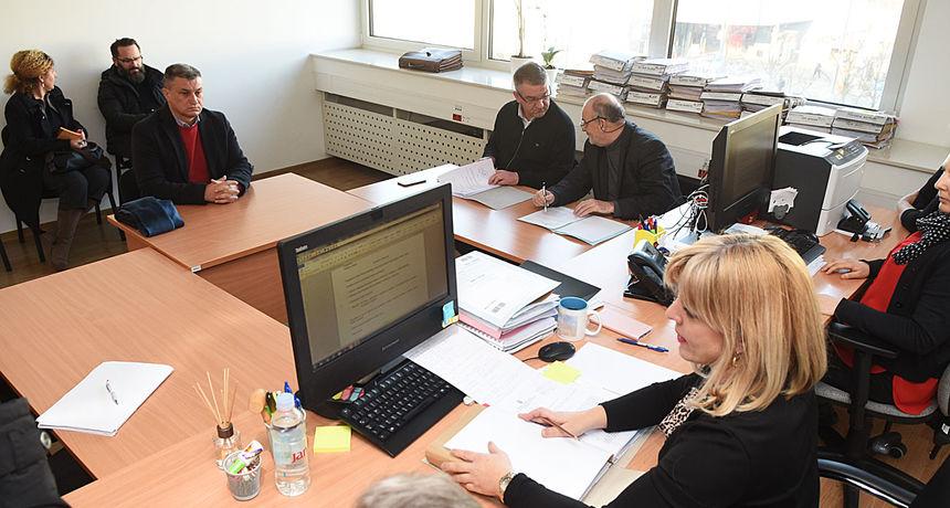 Na Županijskom sudu u Karlovcu počelo suđenje načelniku Općine Lasinja optuženom za silovanje - rekao da se ne osjeća krivim