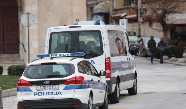 Policija otkrila kako je 'operirala' šestorka koja je uhićena zbog malverzacija s građevinskim dozvolama na Braču