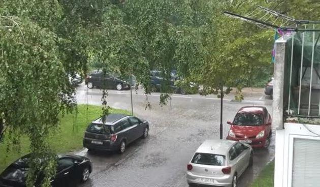 Poplavljena Ulica Zrinskih i Frankopana nakon kiše (2.8.2019.) (thumbnail)