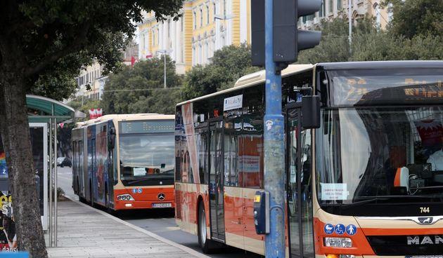 Autotrolej autobusi
