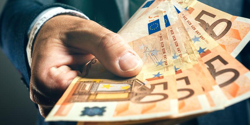 Dvanaest posto Hrvata ponudilo bi novac da dobiju ili zadrže posao