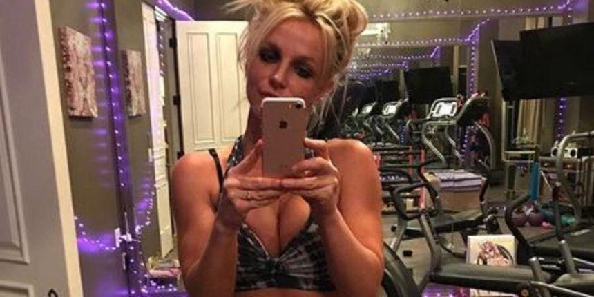 Britney Spears objavila zanimljiv video i otkrila da puna dva sata vježba jogu