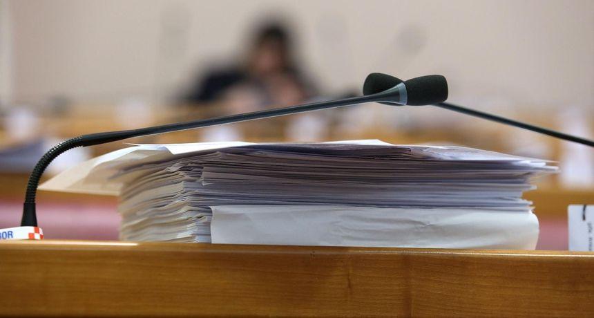 Šest zahtjeva za promjenama u zastupničkom sastavu Sabora: Evo tko dolazi umjesto Tomaševića. Čačić nije podnio zahtjev...