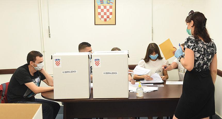 Hrvatska bira lokalnu vlast: Biračka mjesta su otvorena. Sve što trebate znati na jednom mjestu