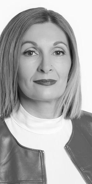 Bojana Loncarevic, crno bijela