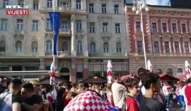 Vatrena atmosfera uoči utakmice Hrvatska - Češka (thumbnail)