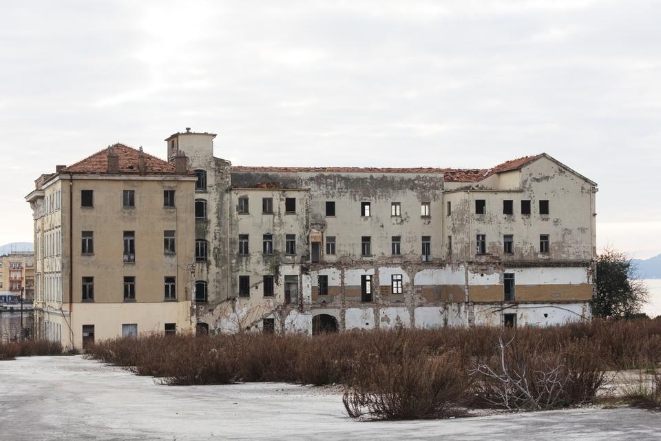 Đir kroz nakadašnji kompleks tvornice Maraska