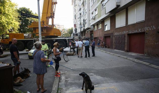 Policijska intervencija oko svađe stanara s radnicima zbog postavljanja repetitora