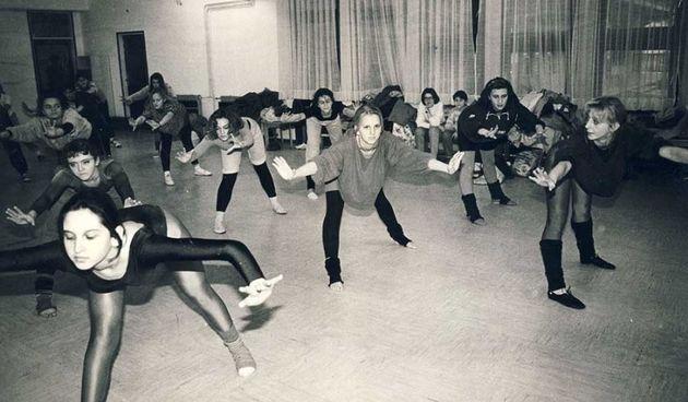 Posljednja mirnodopska vijest? Treninzi djevojaka iz Studija 23 na obali Korane i u prostorijama u Grabriku