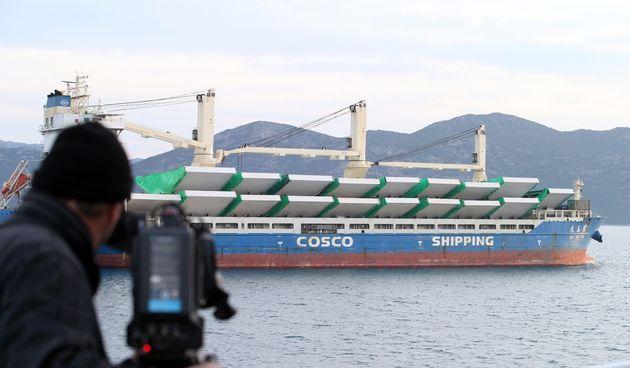 Kod Ploča usidrio se brod iz Kine s dijelovima za izgradnju Pelješkog mosta