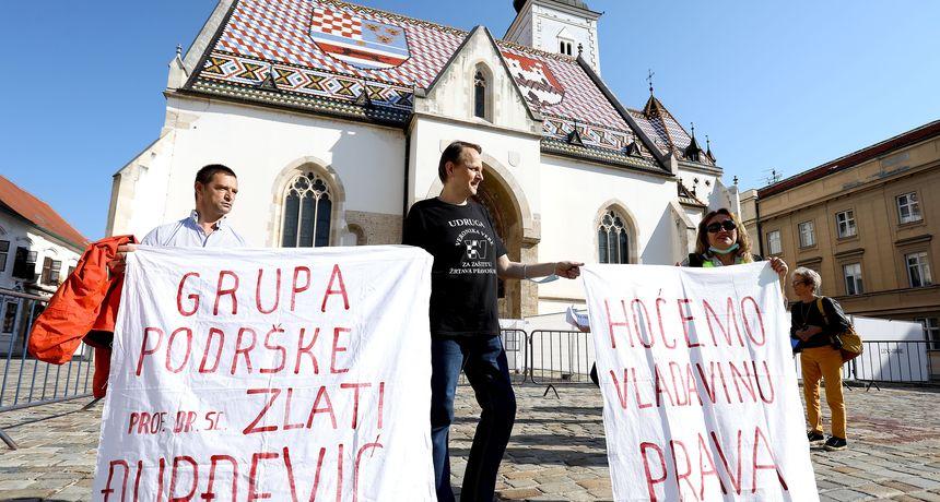 FOTO Na Markovom trgu prosvjed protiv mjera - smatraju ih kršenjem ljudskih prava