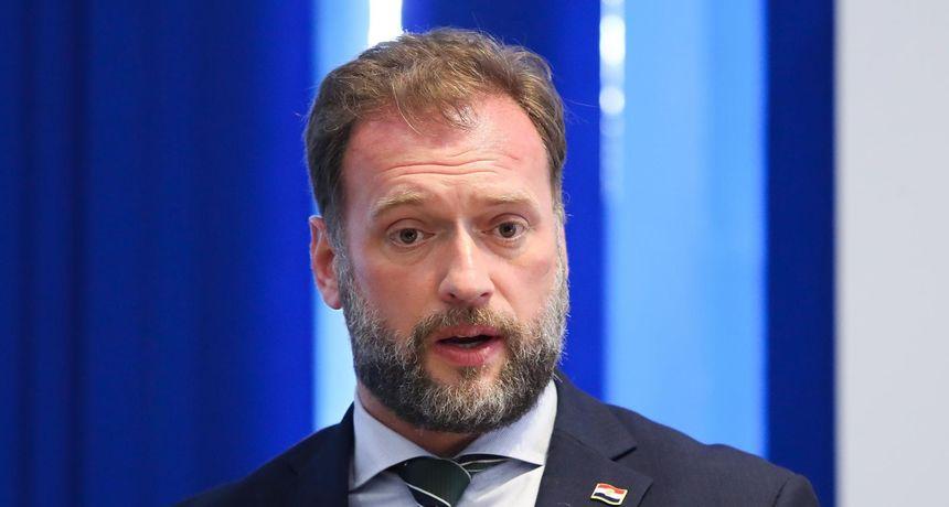 Ministar obrane Banožić: 'Ovo što se dogodilo je rezultat socijalne slike koju imamo u državi