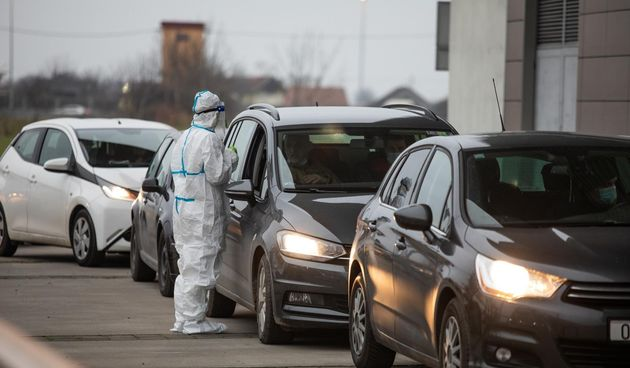 Drive-in testiranje na koronavirus u Osijeku