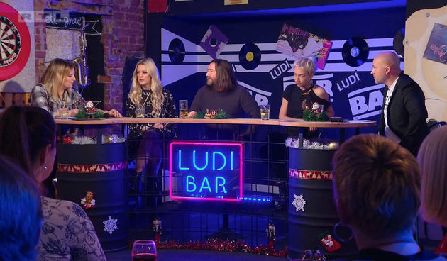 Iskusni Mario Kovač smišlja pitanja na licu mjesta u 'Ludom baru' (thumbnail)