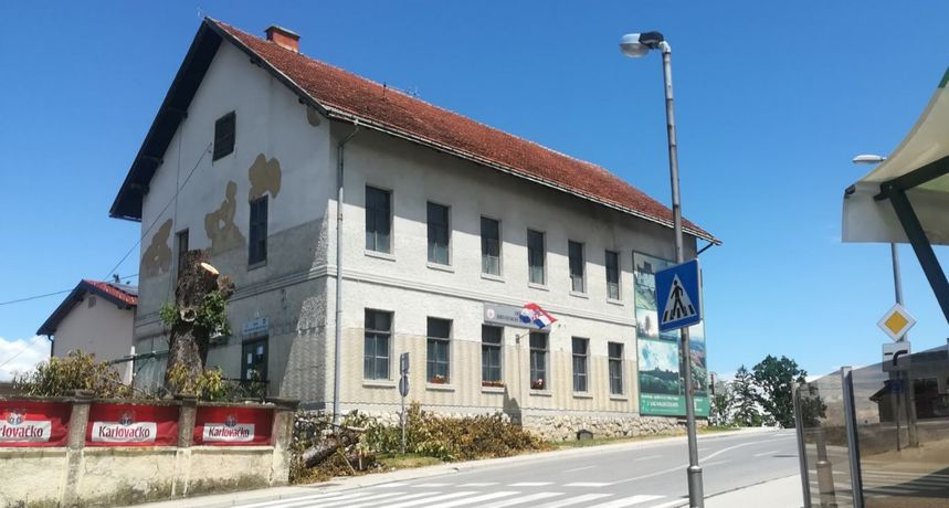 Poduzetnik Josip Galić koji se našao na meti OLAF-a prije dvadesetak godina sudjelovao i u diobi imovine bivše ozaljske zadruge, u vlasništvu mu do danas ostala Bašta