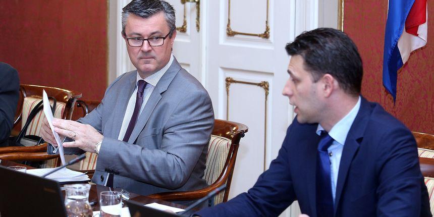 Vlada i sindikati državnih službi potpisali dodatak Kolektivnom ugovoru