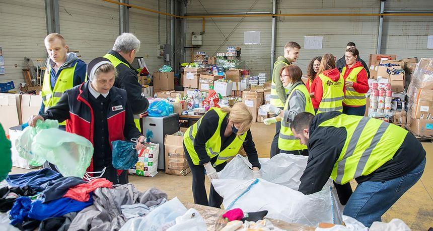 KOLINDA NA TERENU Caritasovim volonterima u pomoć pristigla i bivša predsjednica Grabar-Kitarović