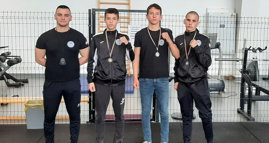 Aresovci Šare i Maltež srebrni a Bukvić brončani na juniorskom PH u boksu