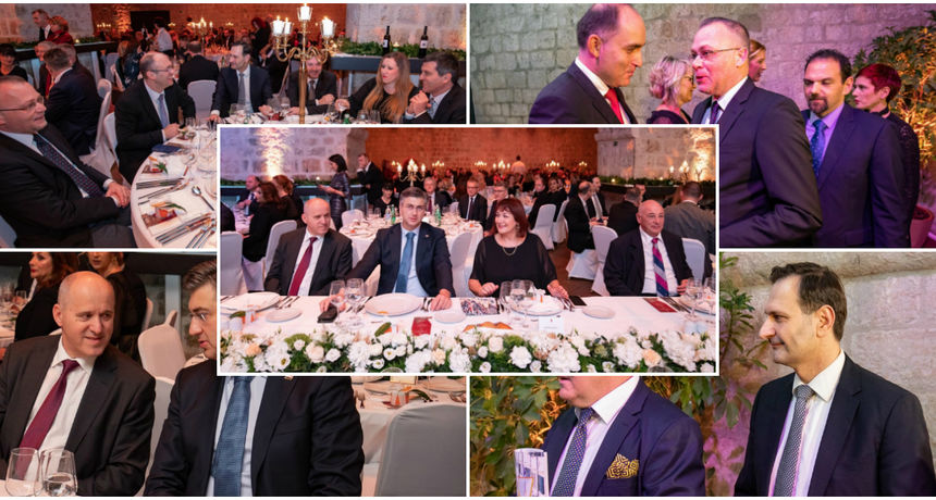 Plenković na svečanoj večeri u Dubrovniku: Iza njega sjedili Kovač, Bauk, Hasanbegović...