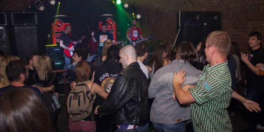 Punk večer u Epicu