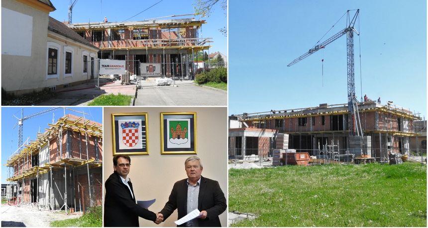 FOTO Potpisan ugovor za drugu fazu radova: Poslovna zgrada u Kotoribi bit će gotova za 5 mjeseci