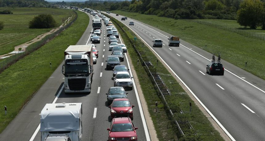 Masovna tučnjava na autocesti: Teško ozlijeđena dvojica muškaraca, a jedan lakše