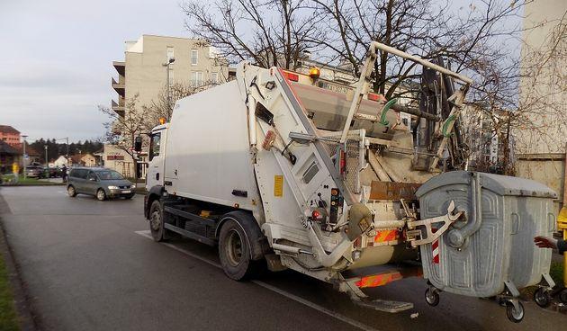 Blagdan pomiče raspored odvoza otpada u Karlovcu za jedan dan: umjesto u petak, bit će u subotu