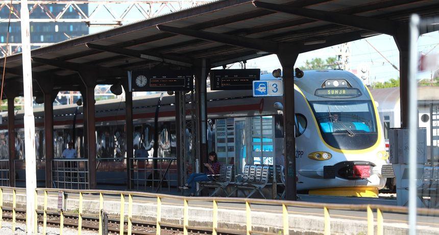 Drama na zagrebačkom kolodvoru: Muškarac bez maske ušao u vlak s djetetom, policija ga izbacila