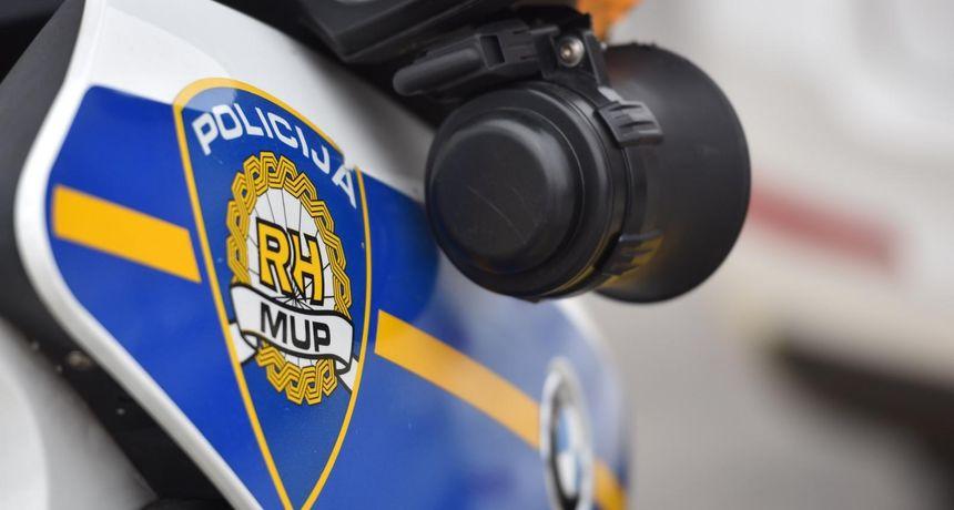 Riječki policajci ugodno su iznenadili majku s djetetom: 'Zaustavila nas je policija, kćer iza propisno vezana...'