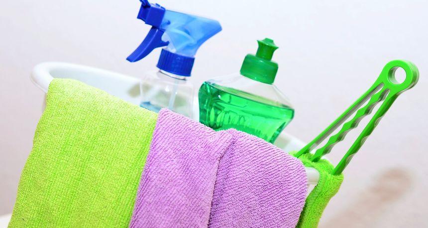 Majka otkrila odlične načine za korištenje baby ulja: Čišćenje sudopera, raspetljavanje nakita...