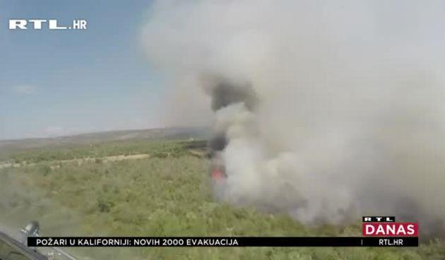 Hrvatski piloti prepoznati su kao neustrašivi borci protiv požara, ali koliko će još kanadere moći koristiti? Milanović upozorava da o tome treba razmišljati odmah (thumbnail)