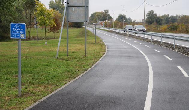 Biciklističko-pješačka staza duga 5,6 kilometara između Osijeka i Bilja svečano otvorena