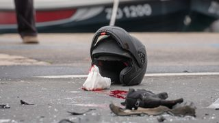 Oko 11h na Obali kneza Tomislava dogodila se prometna nesreca u kojoj je tesko ozlijedjen motociklist.