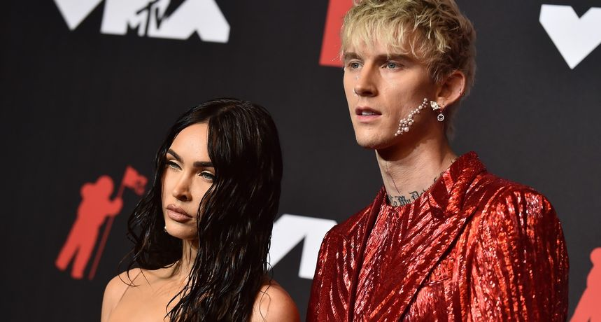 Megan Fox otkrila zašto je nosila prozirnu haljinu na dodjeli MTV-jevih nagrada: 'Rekao mi je da ću biti gola'