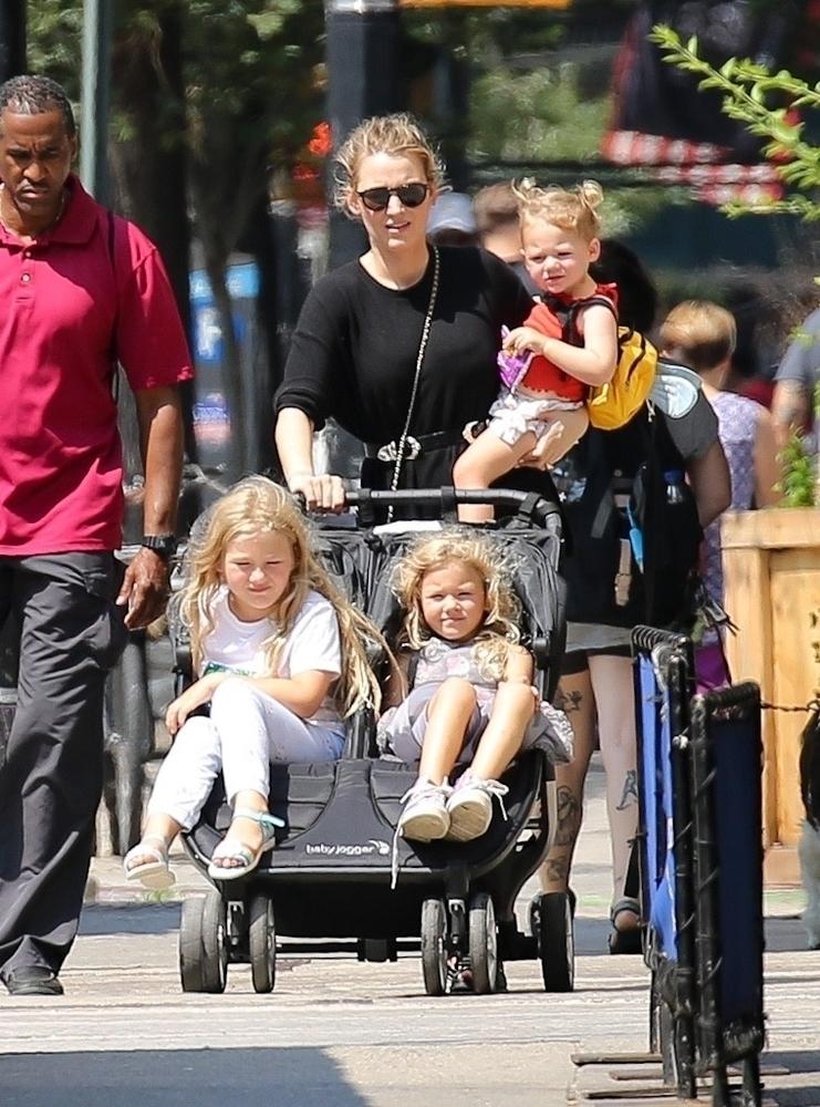 Blake Lively s djecom
