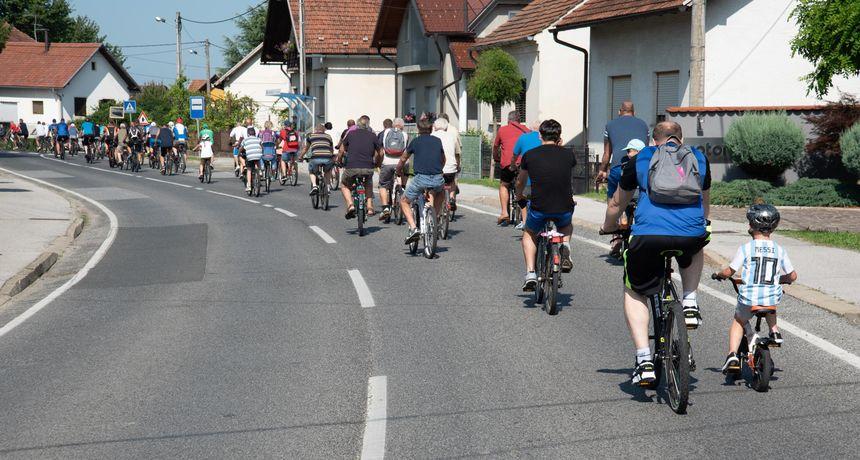 KNEGINEČKA BICIKLIJADA Velik broj biciklista u subotu vozio po brdima i nizinama na 13. izdanju biciklijade