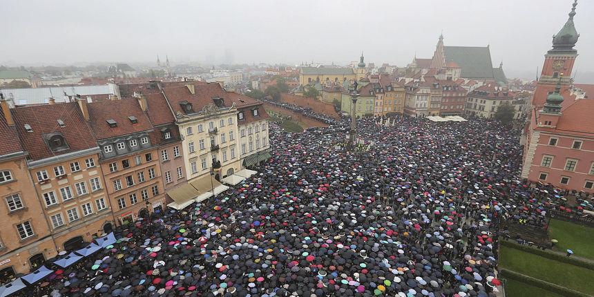 Poljska ambasada u Češkoj traži objašnjenja oko 'pobačajnog turizma': Omogućuje poljskim građanima da krše zakon