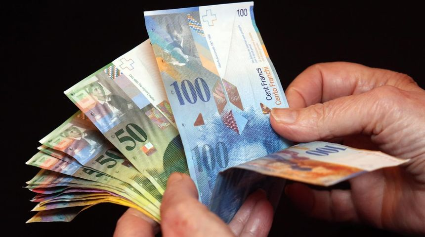PROBAO, ALI... U čakovečkoj mjenjačnici tražio da mu promjene lažnih 1.000 švicarskih franaka