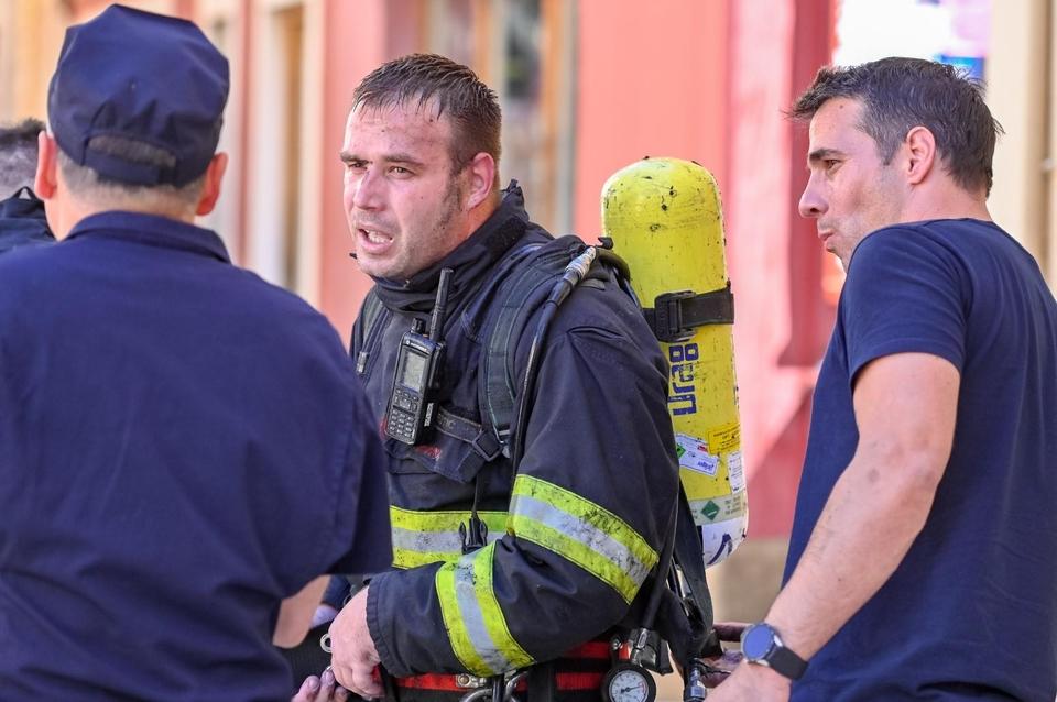 Požar u Zadru i dalje aktivan: Poluotok je u opasnosti od širenja požara