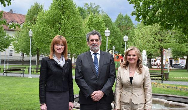 Ministar Fuchs u posjeti Ogulinu - najavio pokretanje smjera medicinskih tehničara i pomoć pri dogradnji Prve OŠ